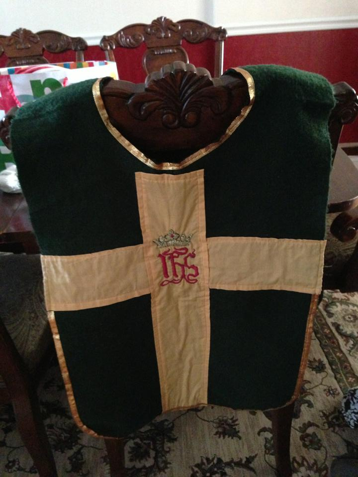 Perfect for a knight, this is made from felt and ribbon!