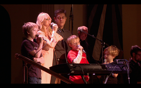 Copy_of_1_000_times_Tajci_her_family_and_her_audience_sang_I_do_believe_._Photo_by_Danko_Puttar_2013