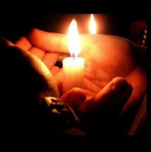 advent prayer hands