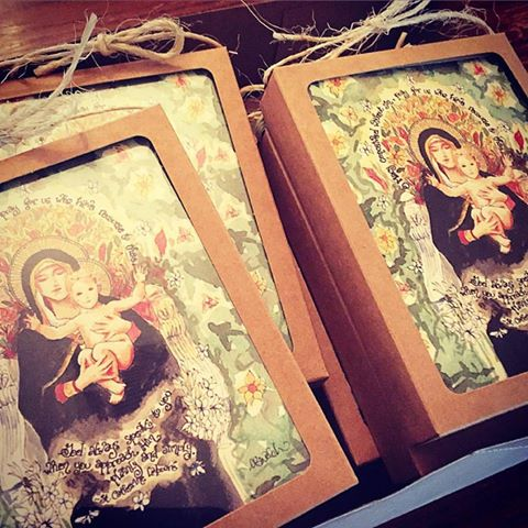 GIVEAWAY: Win a Set of Madonna of the Lilies Notecards!