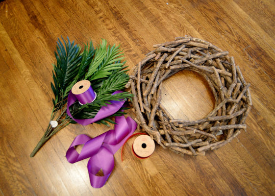 Fast And Easy Front Door Wreath For Lent Catholic Sistas